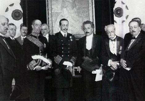 1923_AlfonsoXIII_Albert_Einstein